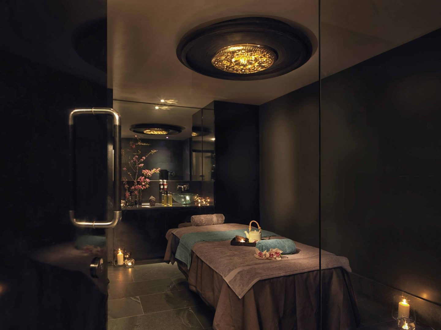 The Mayfair Spa treatment room
