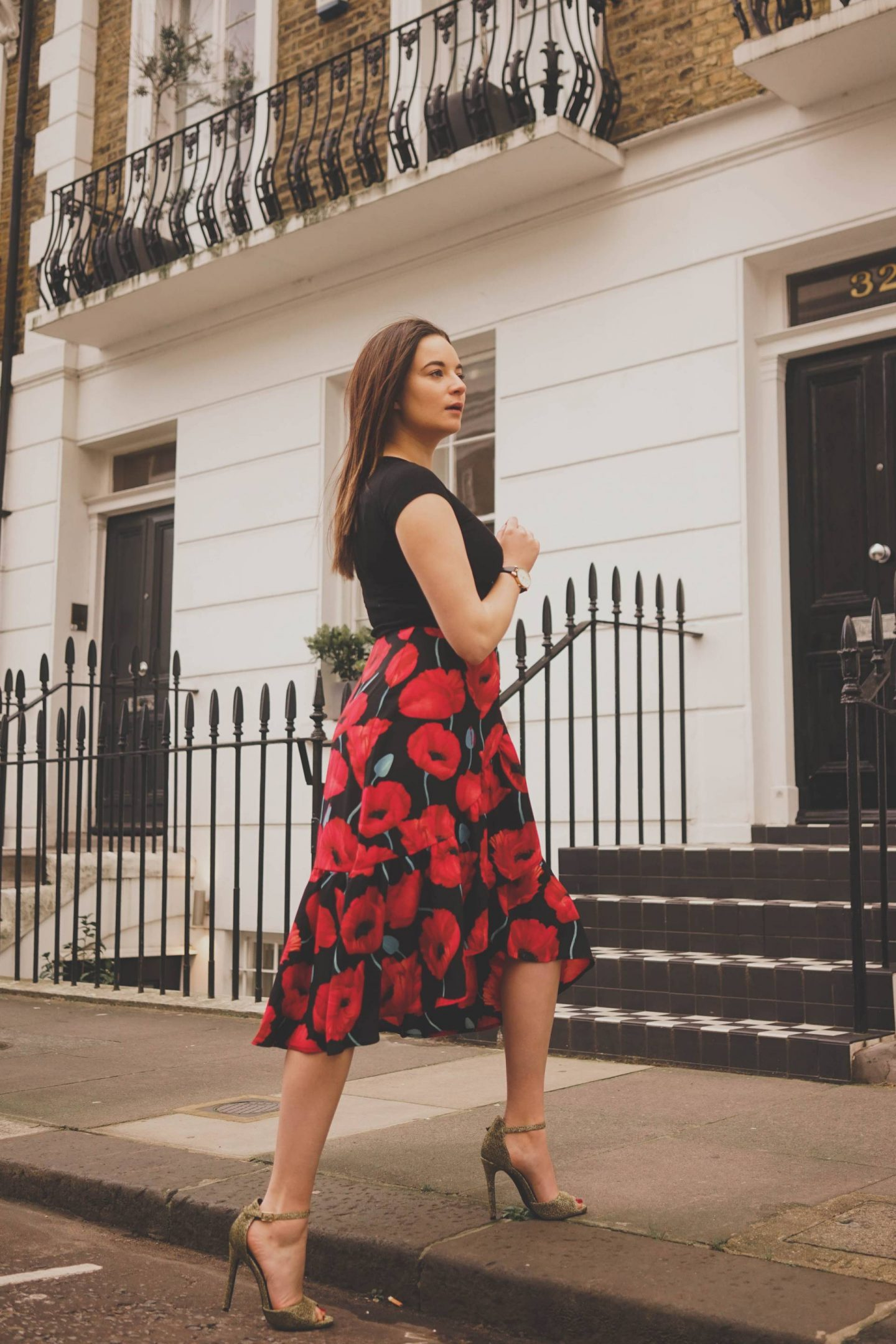 Spring red floral outfit