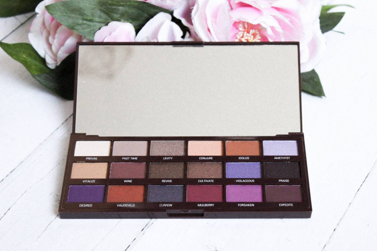 Violet chocolate palette shades