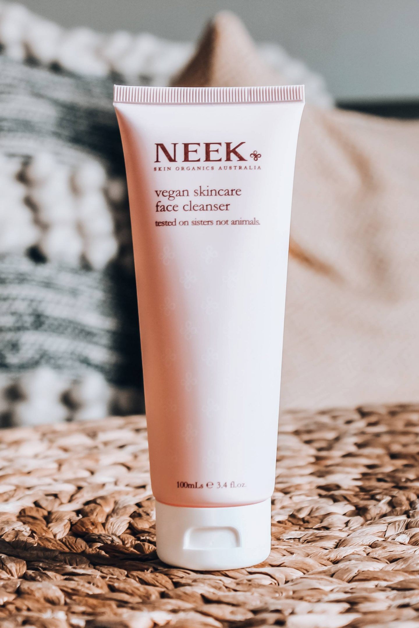 Neek vegan cleanser