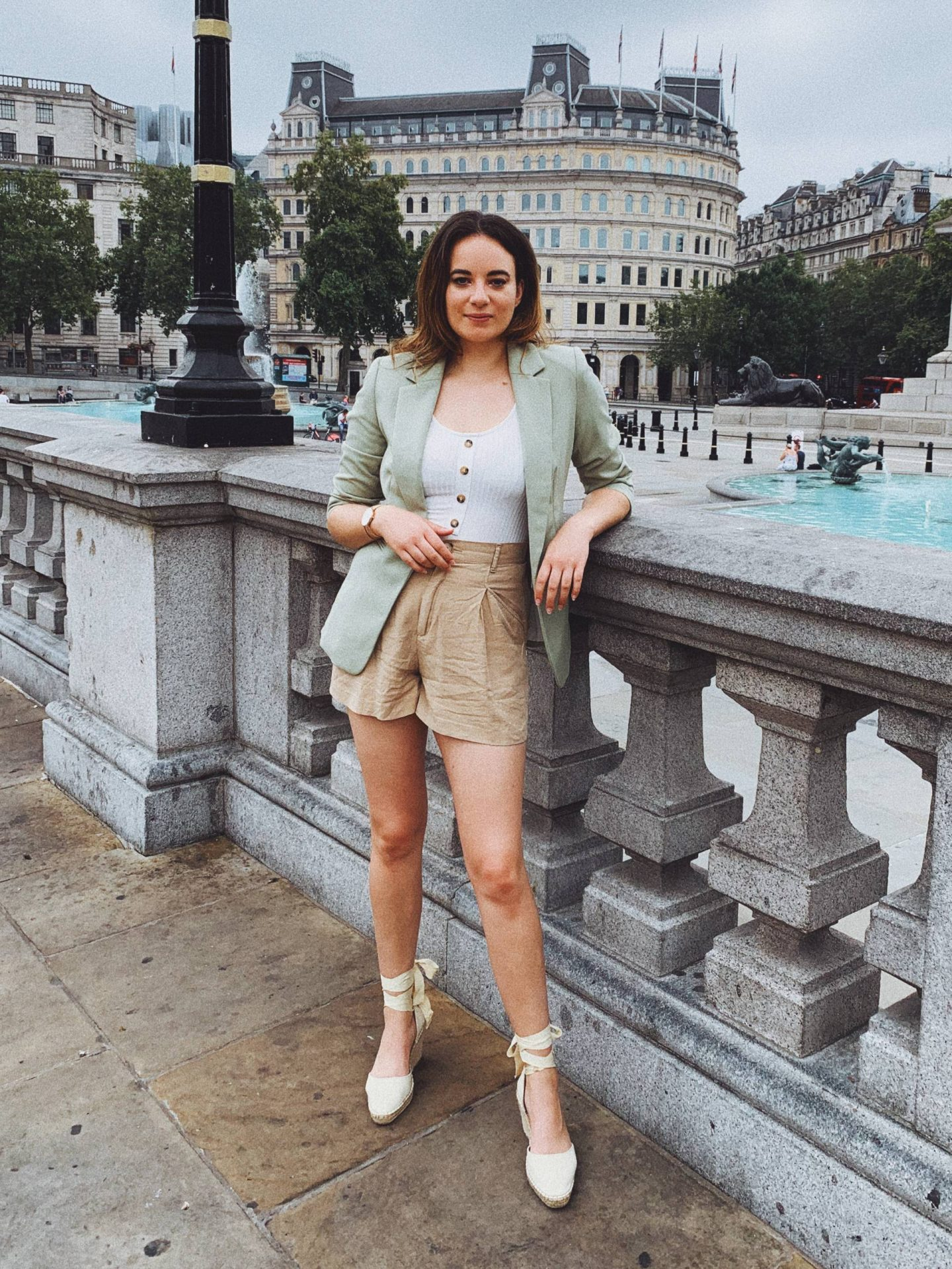 green blazer with shorts summer outfit