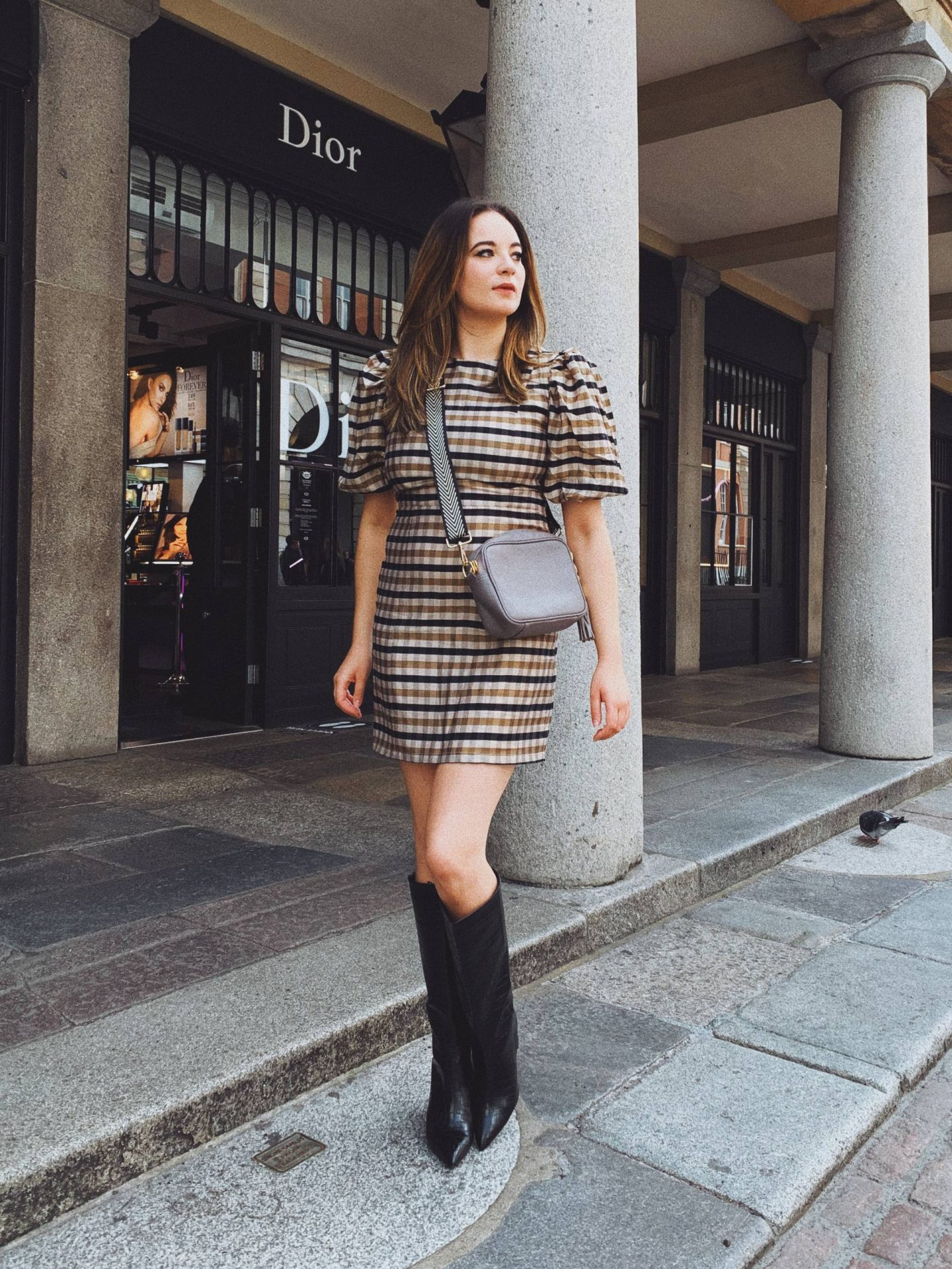 check print dress with puff sleeves