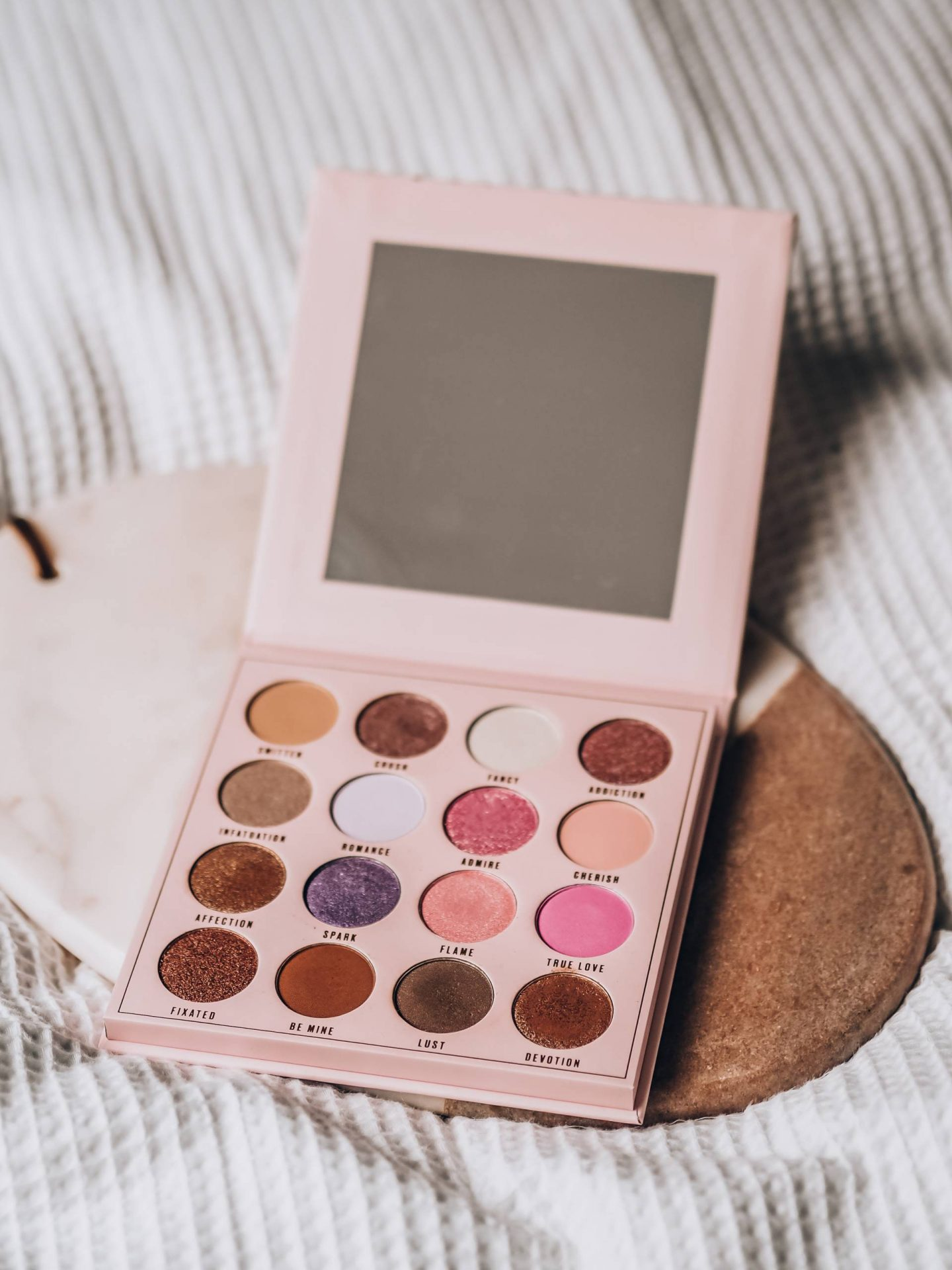 Day Dreamer eyeshadow palette review